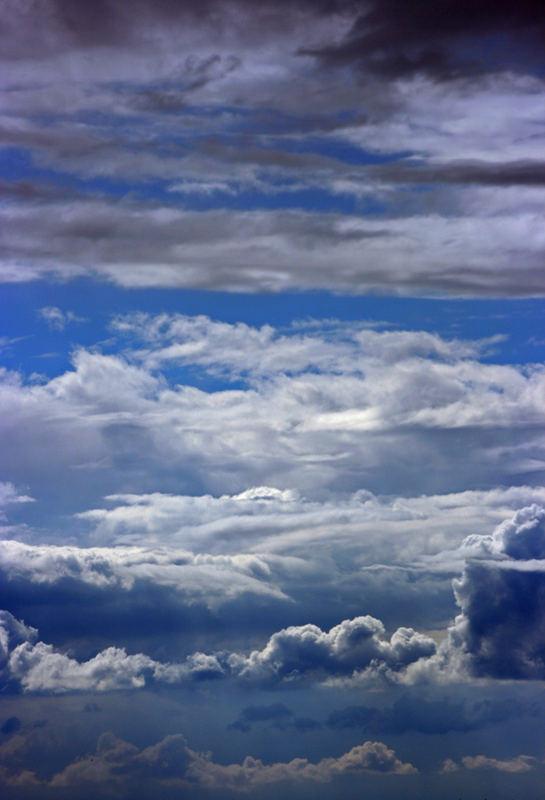 .:grey white blue:.