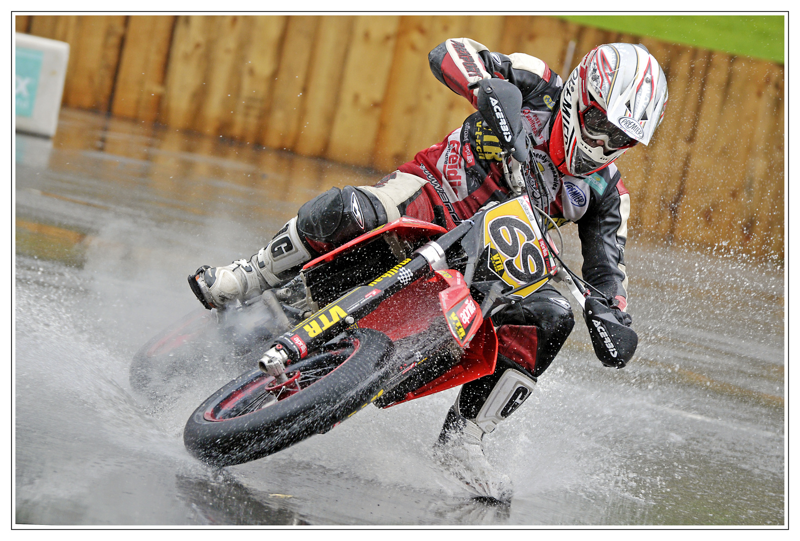 Grip im Regen - Supermoto 2010