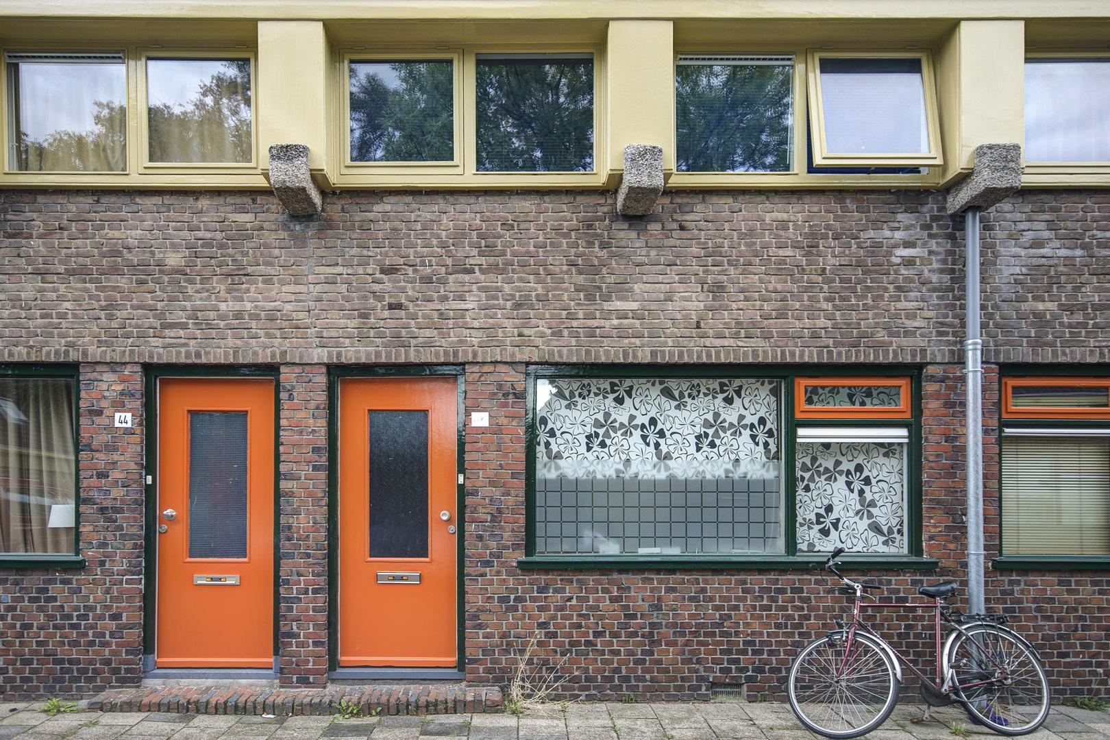 Groningen (Oosterparkbuurt) - Zonnebloemstraat - 02