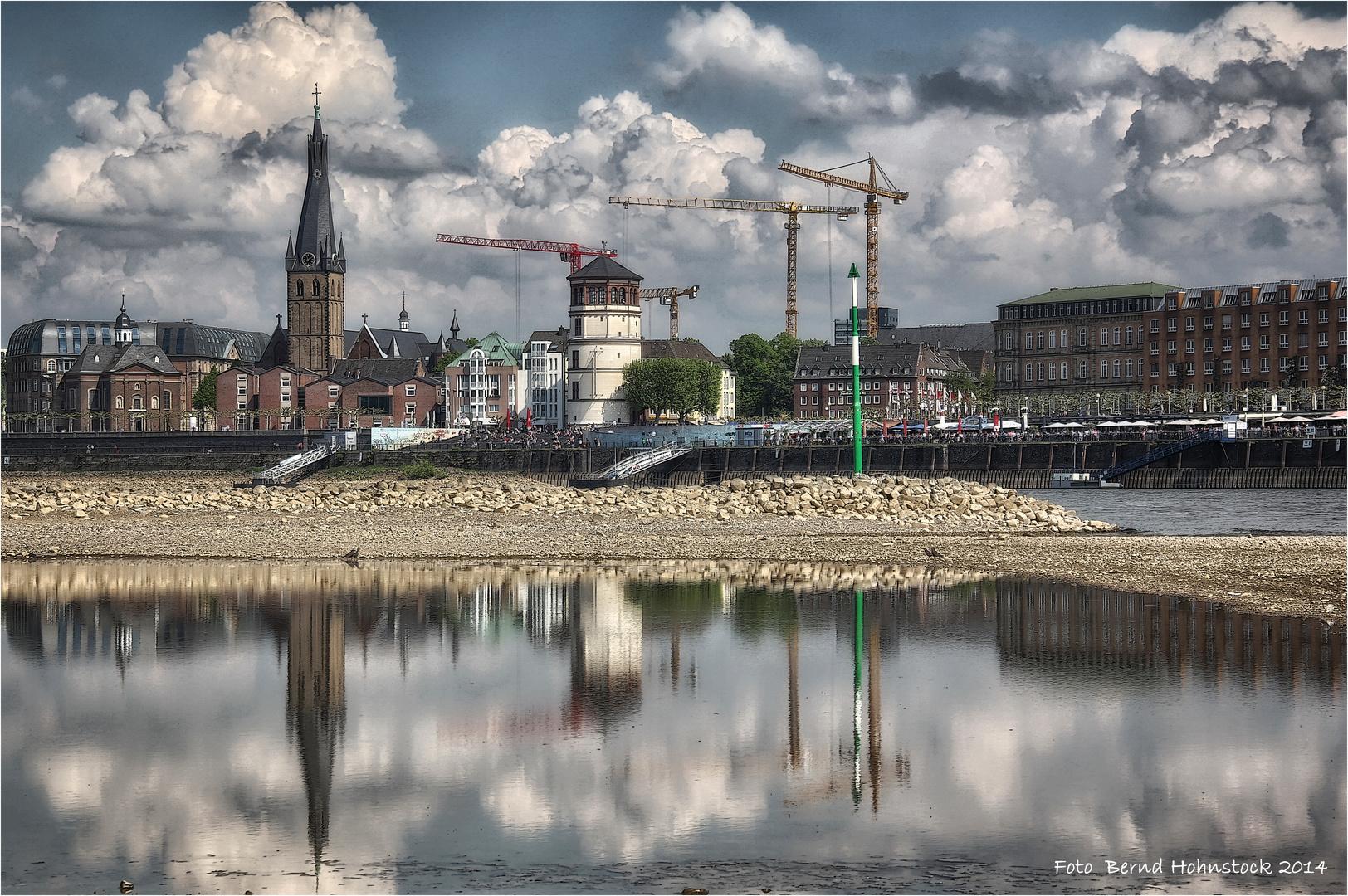 Großbaustelle in der Landeshauptstadt von NRW ....