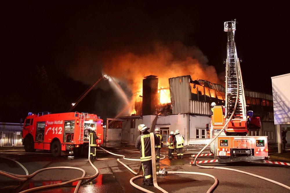 Großbrand in einer Remscheider-Firma am 30. / 31.05.2009