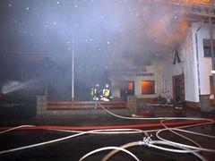 Großbrand vernichtete Schreinerei (1)