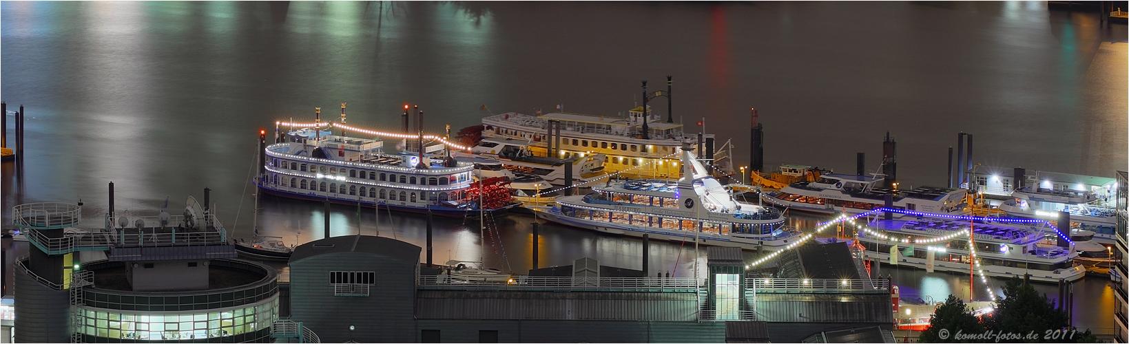 Grosse Hafenrundfahrt...