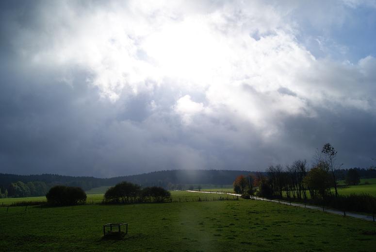 große Regen- und Gewitterwolken