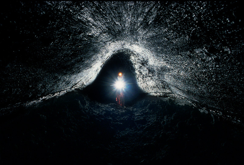 Grotta dei tre livelli (corretta) - (vulcano Etna)