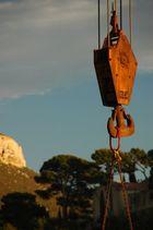 Grue sur le port de Cassis (Var, France)