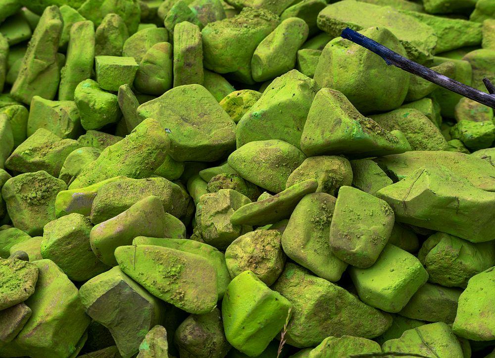 grünbemaltesteinemitästchen