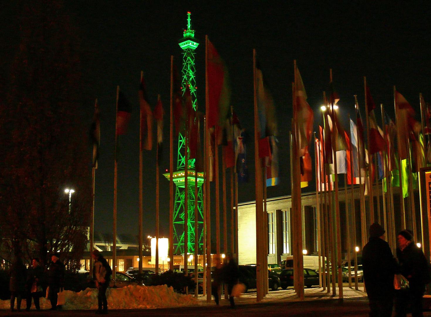 """""""Grüne Woche"""" vor dem Haupteingang"""