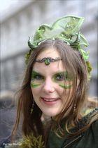 grünes weibliches Wesen