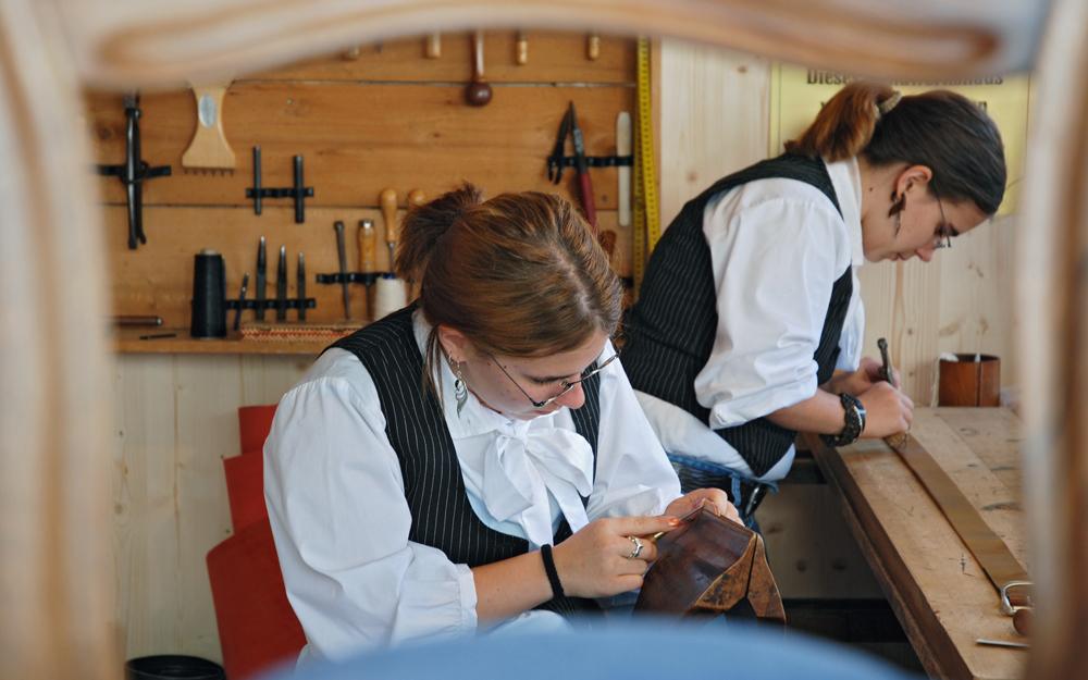 Grüninger Herbstmarkt, Dokumentation, Zwillingstöchter des Sattlers