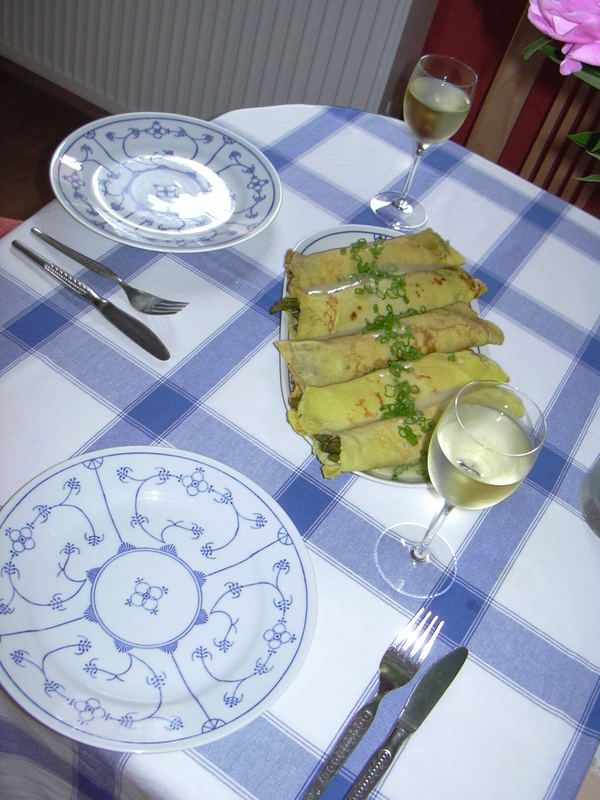 grünspargelcrepes mit riesling