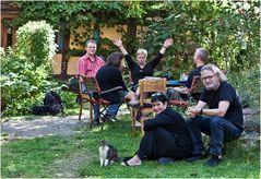 Gruppenbild mit Katze