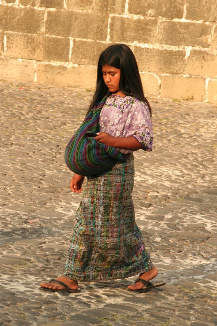 Guatemala: Straßenszene in Antigua
