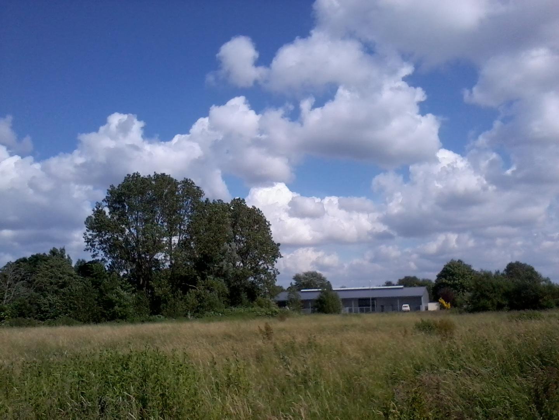 Guckloch in den Wolken