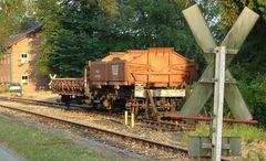 Güterwagen bei Sonnenuntergang