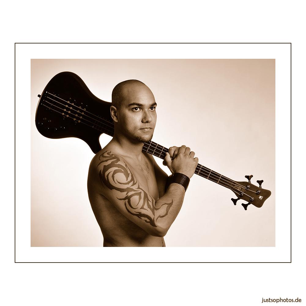.... guitar....