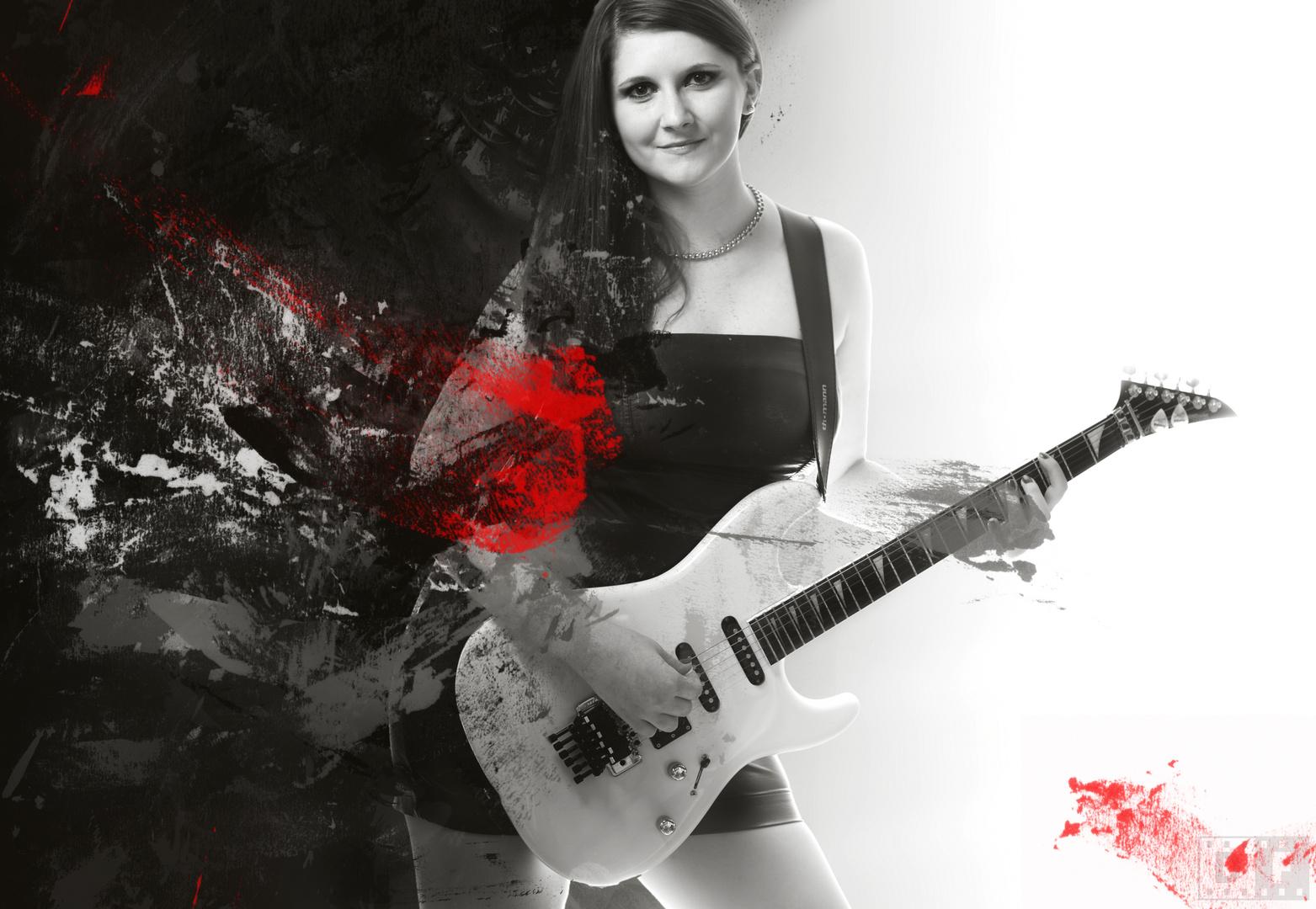 Guitar-Woman