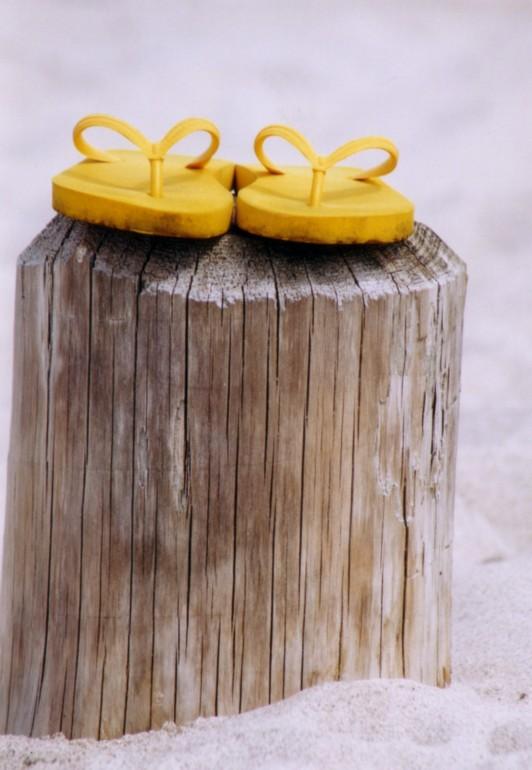 gummi auf Holz
