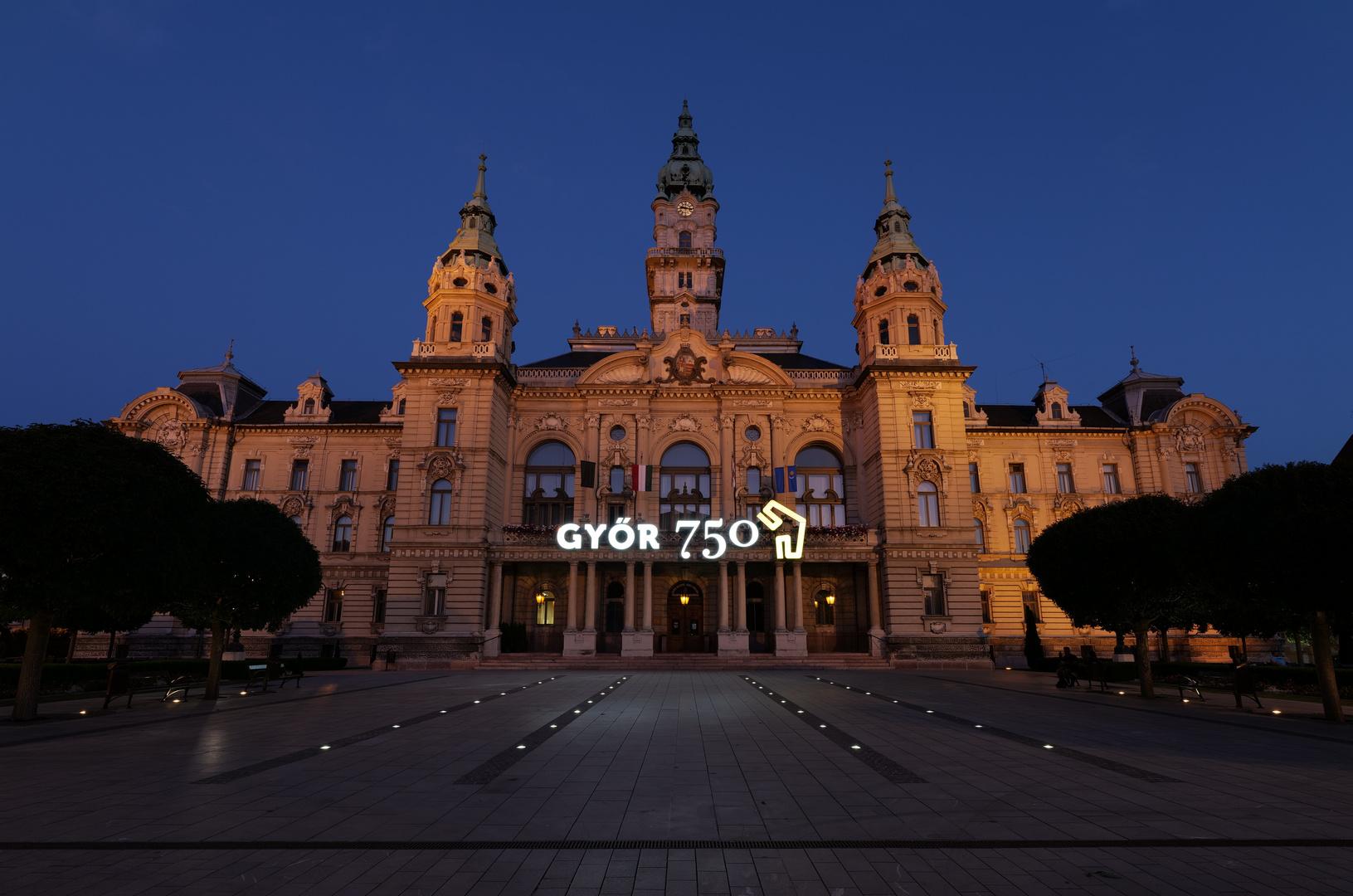 Györ - Bürgerhaus ( meine Stadt ist jetzt 750 Jahre alt)