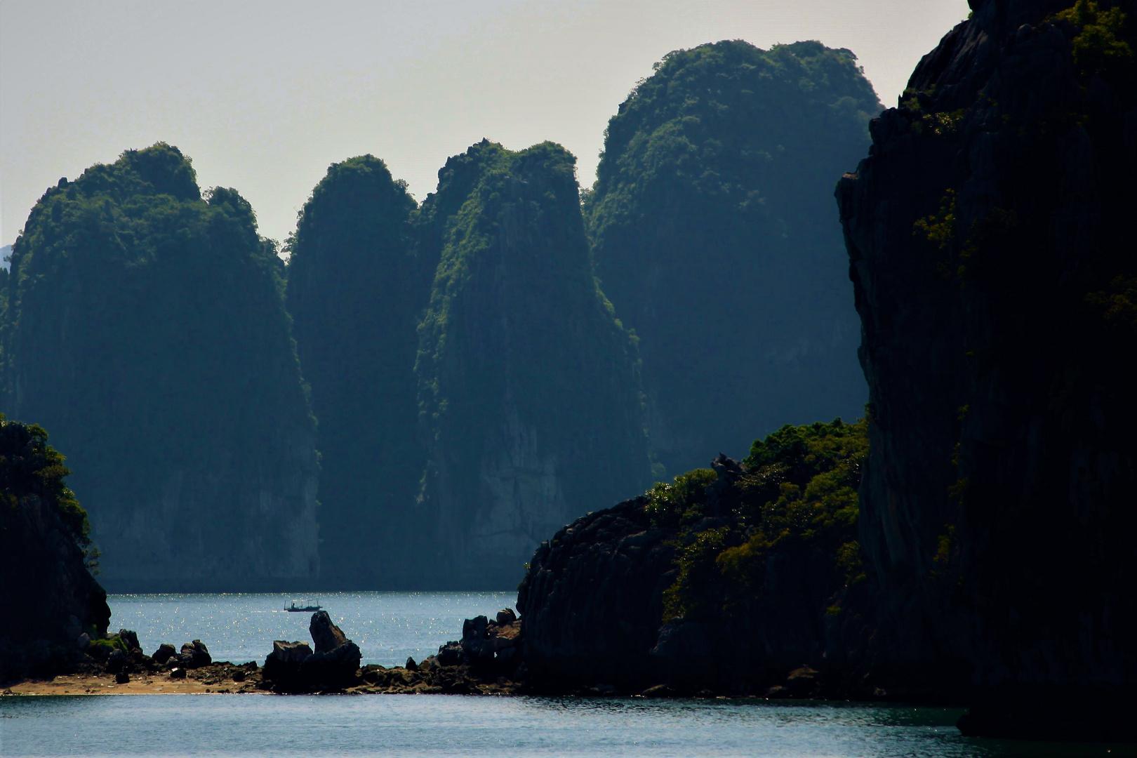 Ha Long bay   6