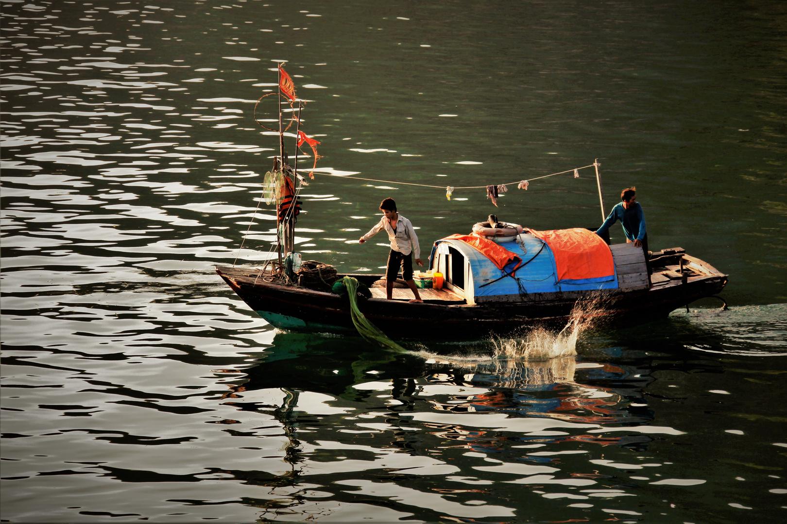 Ha Long fishermen