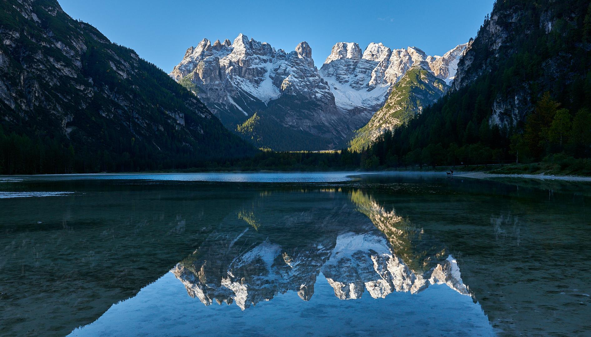 Habe den Dürrensee noch nie so klar gesehen, der  3221 m hohe Monte Cristallo im...