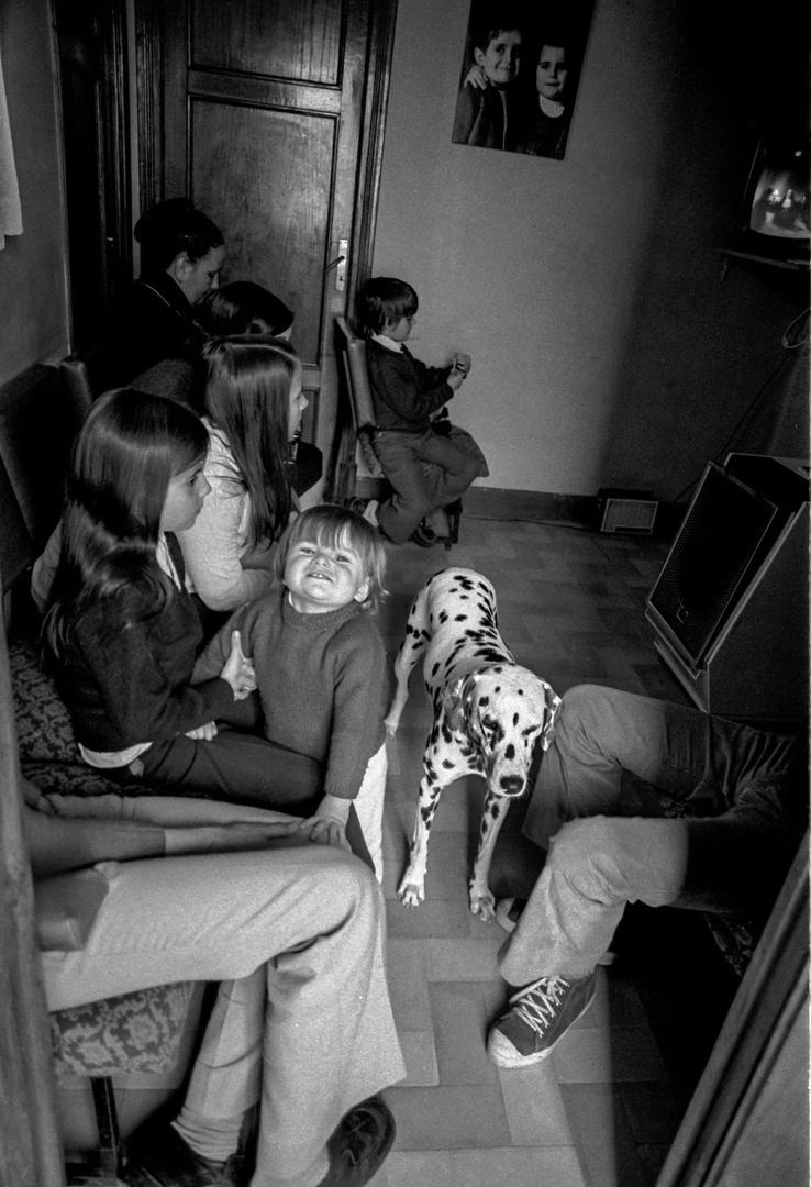 HACE MÁS DE 40 AÑOS- Mi primera television. la casa era una fiesta.