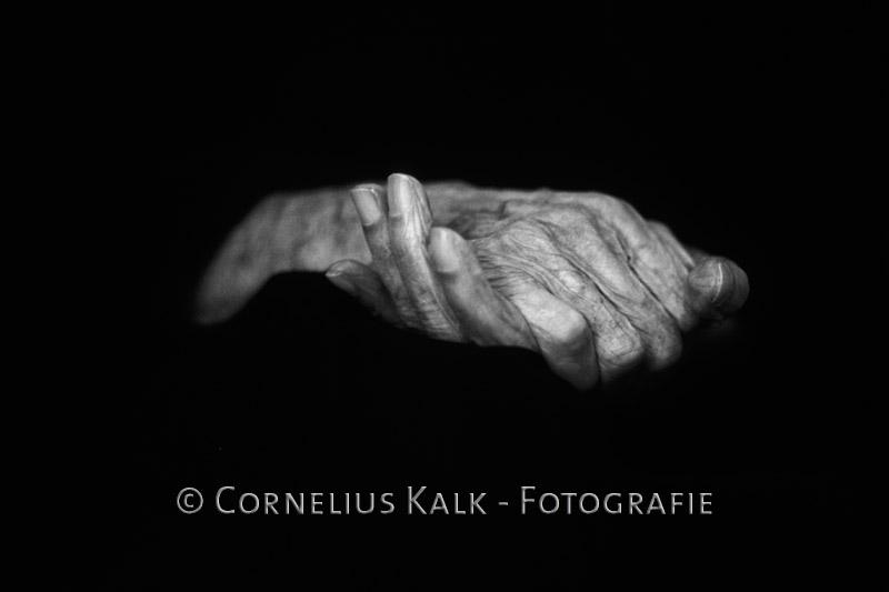 Hände einer 100-Jährigen