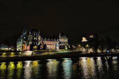Häuschen in Paris