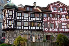 Häuser aus einer fernen Zeit