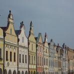 Häuserfassaden am Marktplatz in Telc