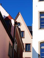 Häuserfront in der Kölner Altstadt