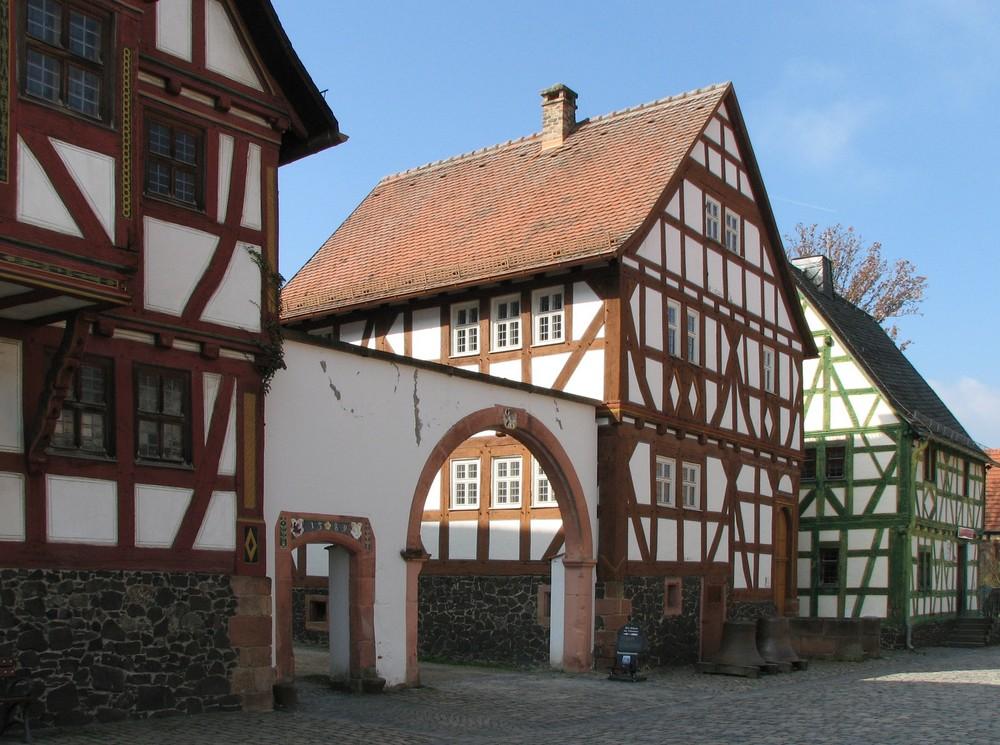 Häuserzeile im Hessenpark