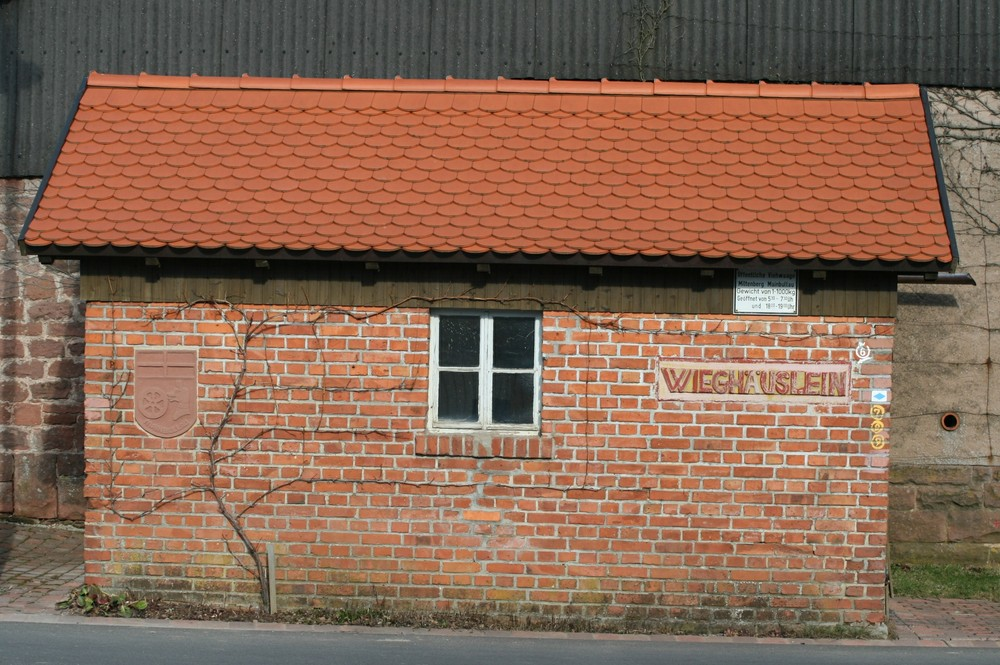Häuslein mit Fenster - Lösung