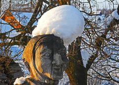 Häx mit Schneehuet