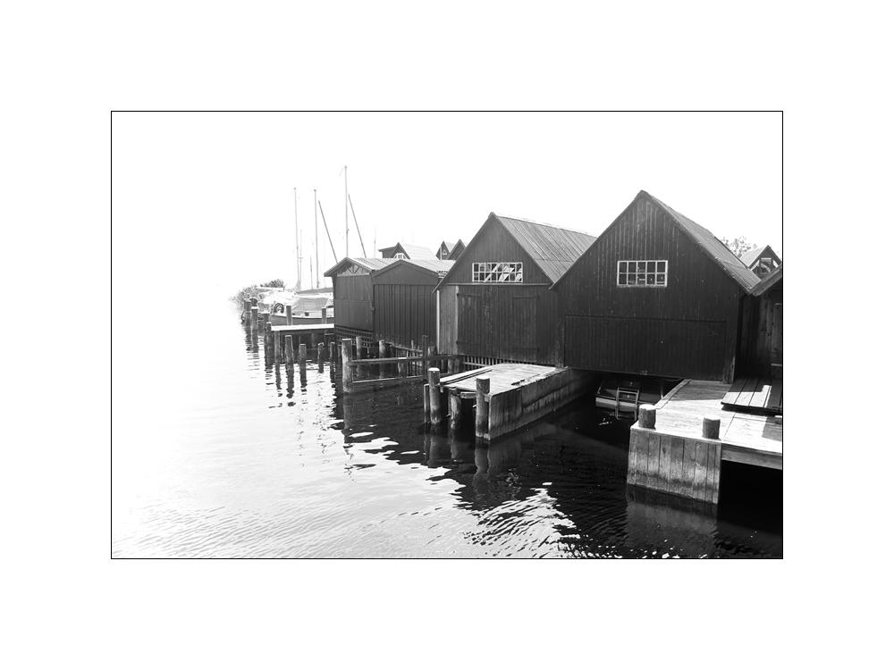 Hafen Ahrenhoop in sw