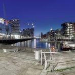 -- Hafen -City --