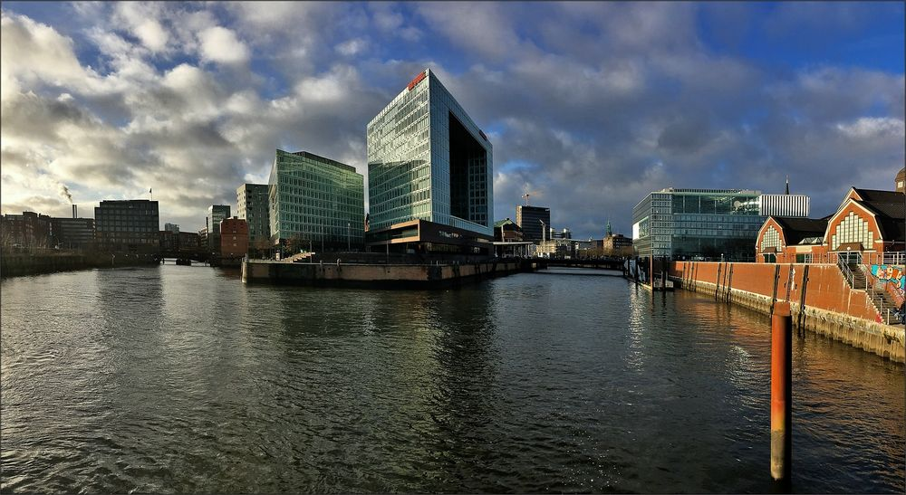 * Hafen City **