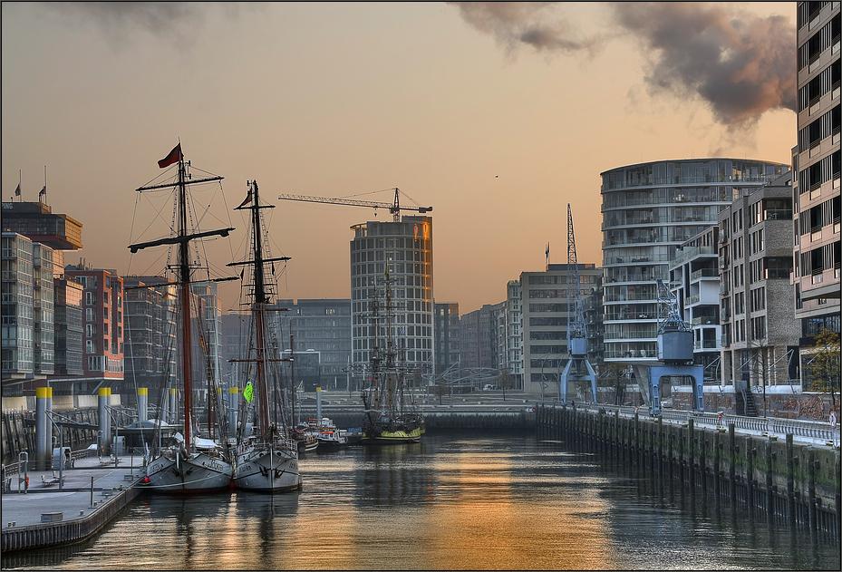 * Hafen-City
