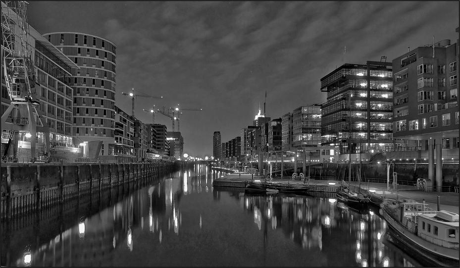 * Hafen-City II °
