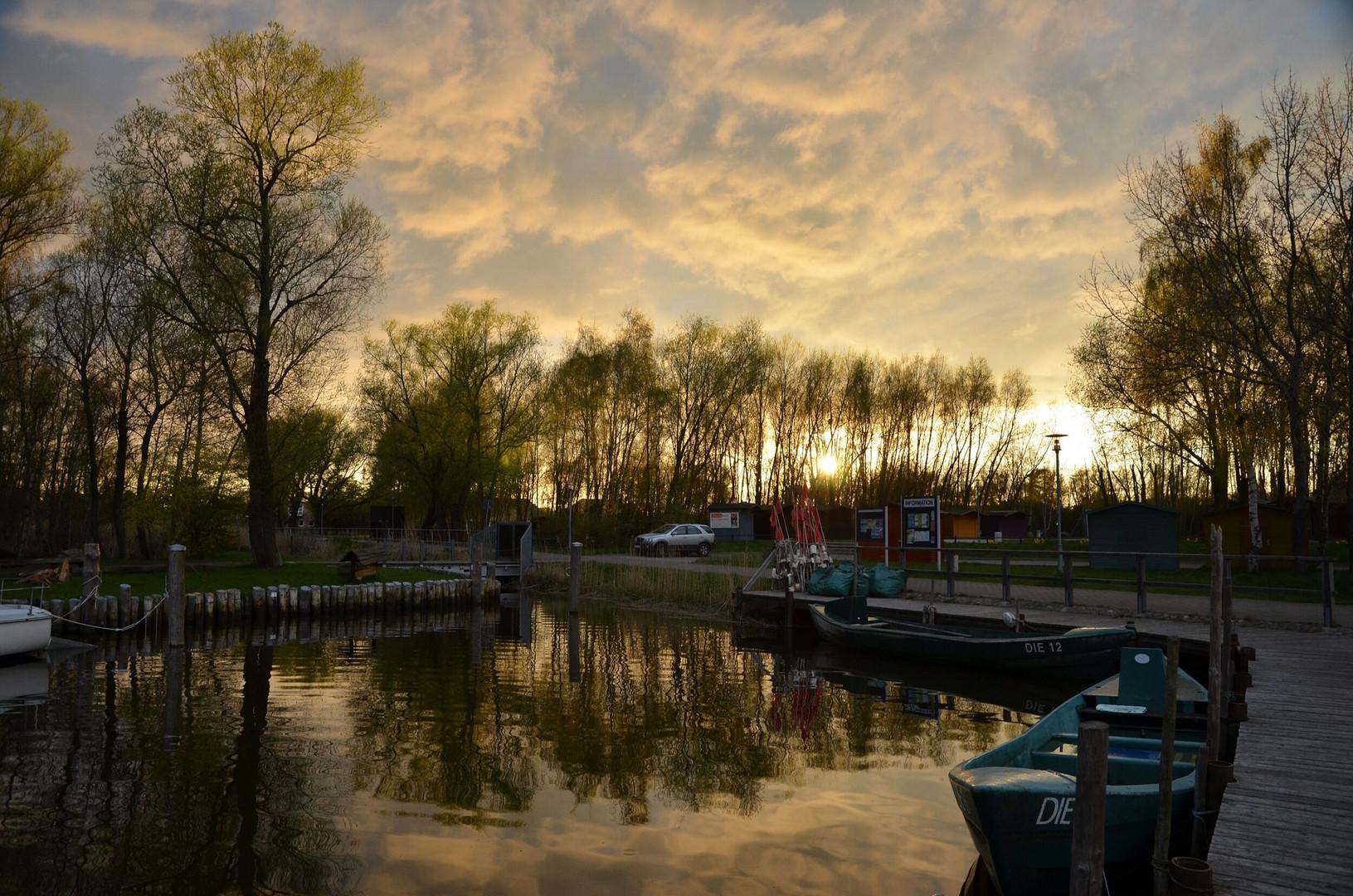 Hafen Dierhagen am Abend