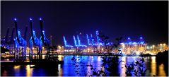 Hafen ganz in blau