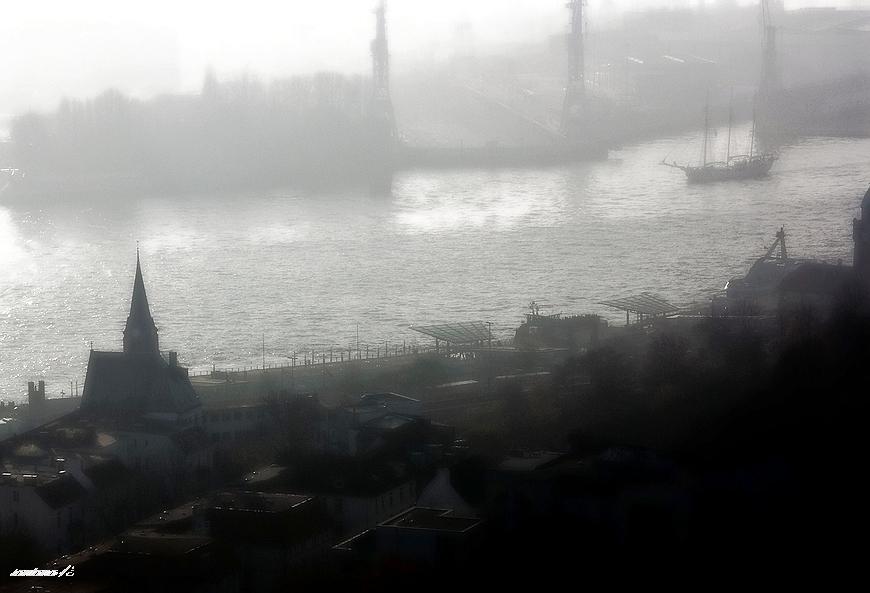 Hafen Hamburg.Düsterer Morgen (1)