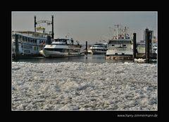 Hafen im Eis