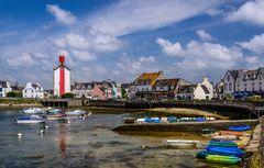 Hafen mit Leuchtturm, Léchiagat, Bretagne, France