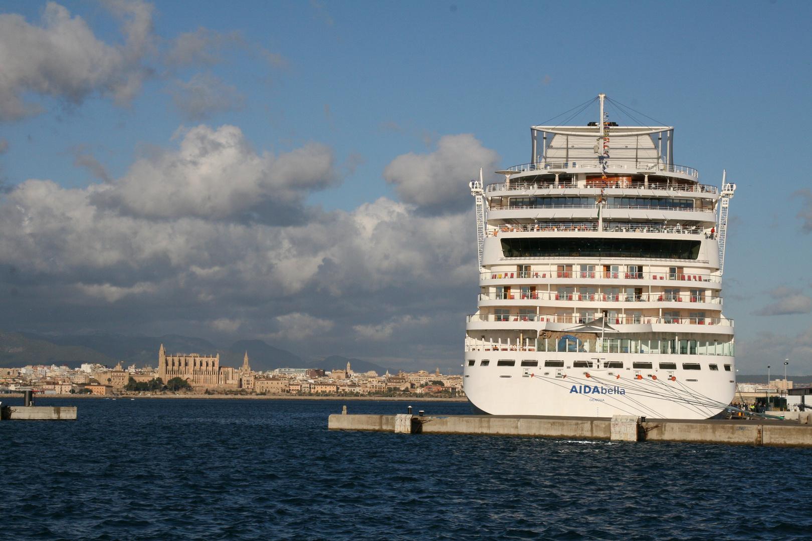 Hafen von Mallorca - AIDA-Anlegestelle 03.12.2010