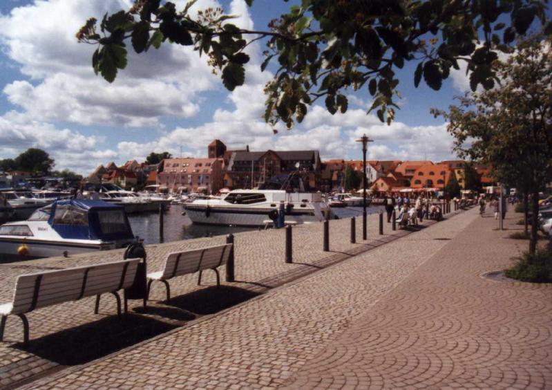 Hafen Waren