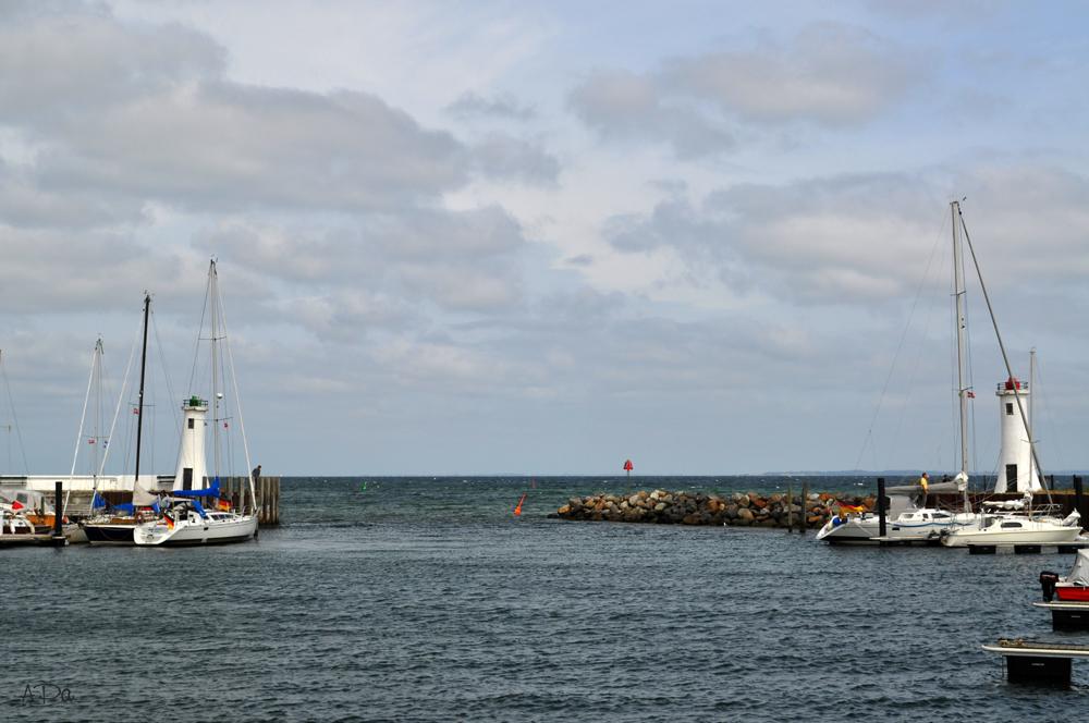 Hafenausfahrt in Mommark
