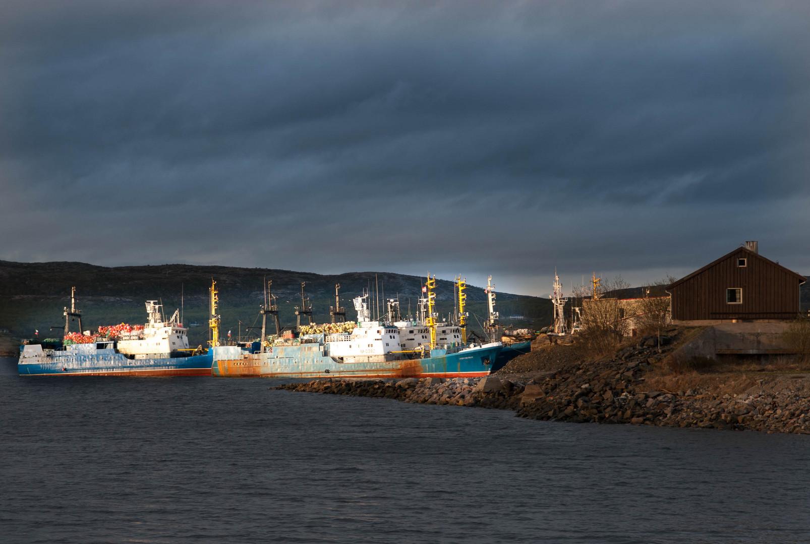 Hafenbecken Kirkenes Norwegen