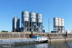 Hafenbetrieb- - Duisburg Binnenhafen